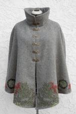 Lichen Cape front, collar up